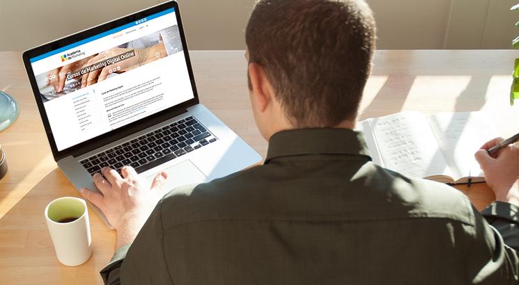 Como funcionam os cursos online da Academia do Marketing